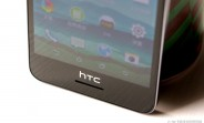 htc_desire_728_handled_unofficially
