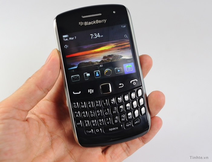 BlackBerry Curve 9370 specs