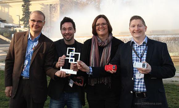 http://st.gsmarena.com/vv/newsimg/12/03/nokia-gsma-pureview-award/gsmarena_001.jpg
