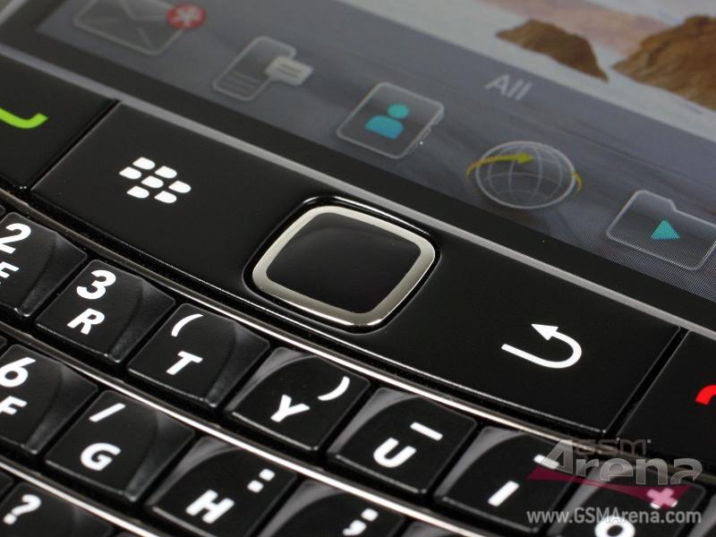 handphone Onyx 2 9780, gambar foto desain dan warna BB 9780 Onyx 2